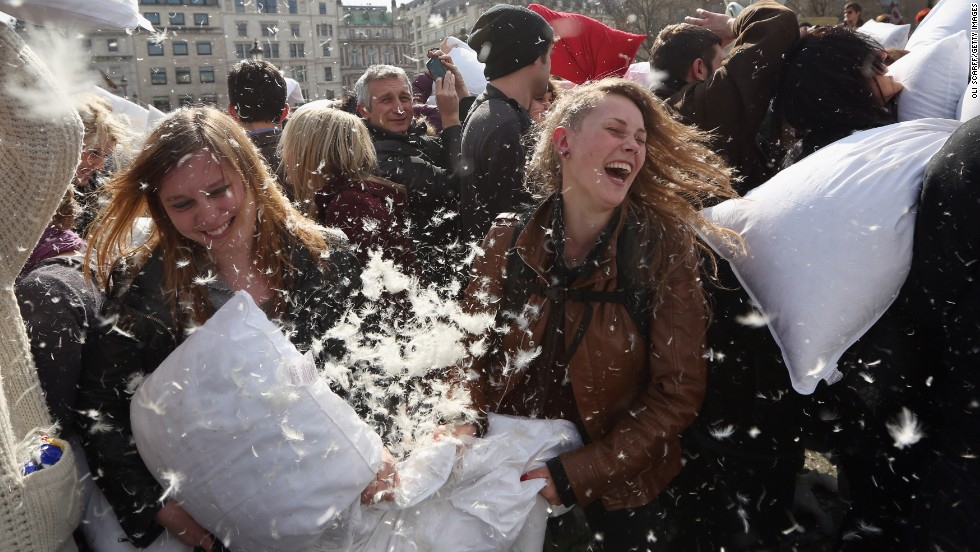 Every year, more and more cities participate in International Pillow Fight Day on April 6. London is no exception, and last year, a mass public pillow fight took place in Trafalgar Square.