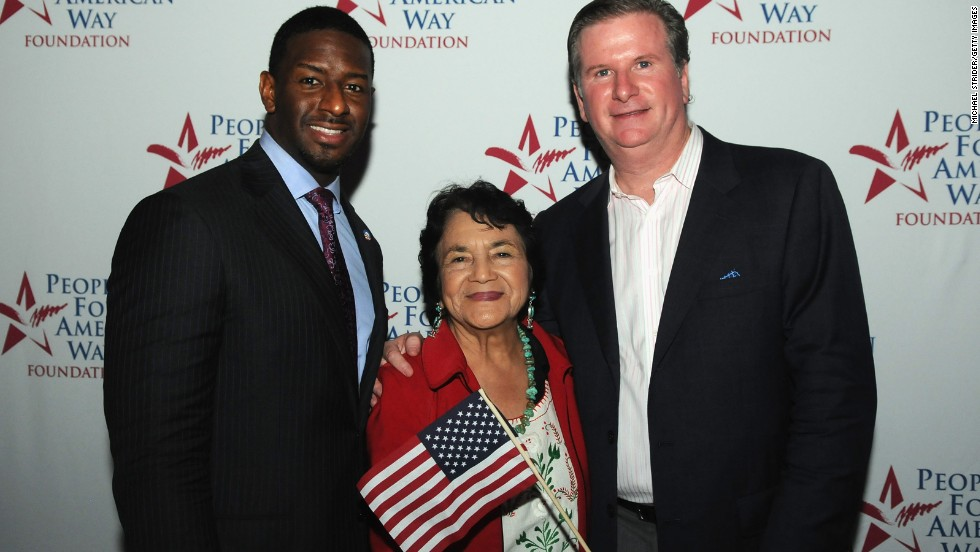 Huerta poses with Tallahassee City Commissioner Andrew Gillum and People for the American Way President Michael Keegan at the DNC on September 4, 2012, in Charlotte, North Carolina.