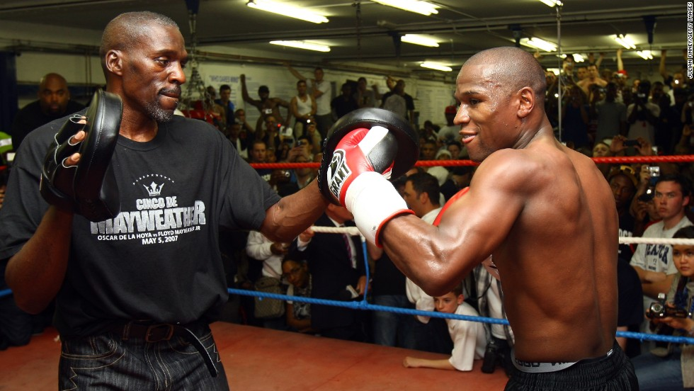 The return of Floyd Sr. came at the expense of his brother Roger, who had been his nephew's long-time trainer. Floyd Jr. says he could no longer trust Roger to be in his corner since diabetes is affecting the 52-year-old's eyesight.