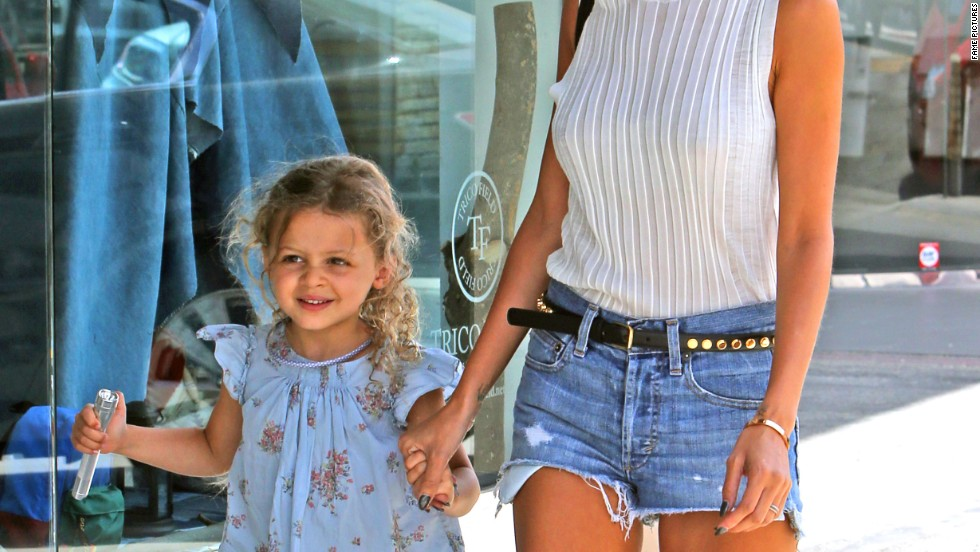 Nicole Richie goes shopping with daughter Harlow in Beverly Hills on July 2.