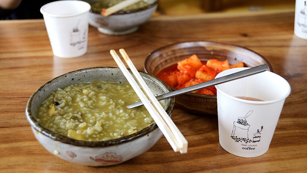 Junbokjuk (abalone porridge) goes best with kimchi and barley tea.
