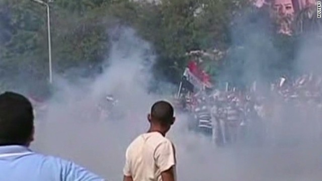 Pro-Morsy protesters hit with tear gas