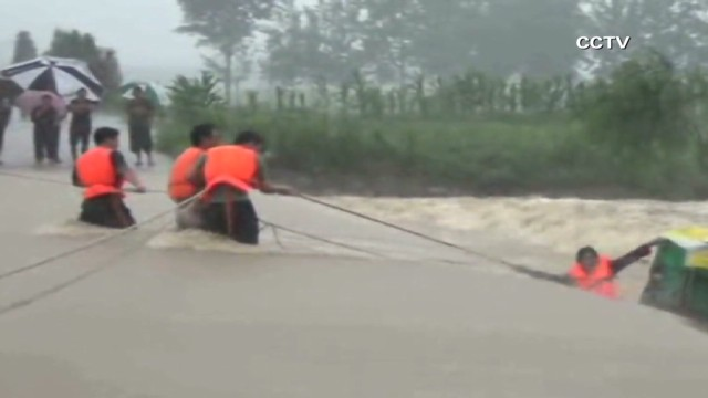 vo china flood rescue_00002127.jpg