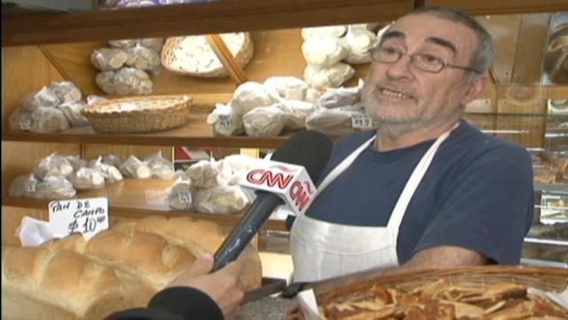 cnnee pkg rodriguez argentina no bread_00010002.jpg