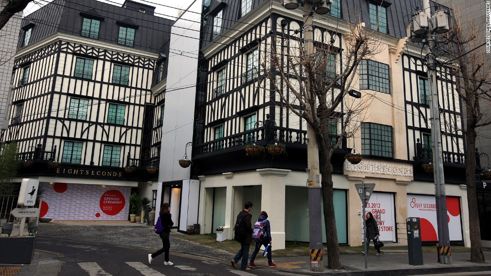 The 8seconds flagship store launched in Garosugil last year to massive fanfare. Lines formed around the block.