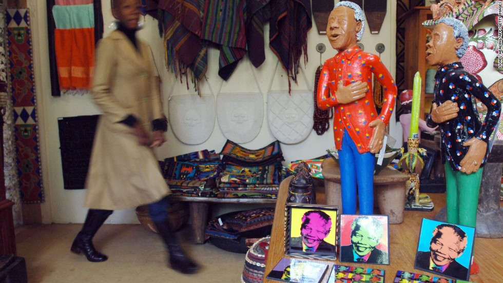 <strong>SOUTH AFRICA:</strong> Ceramic statues of Mandela are seen in a shop in Johannesburg.