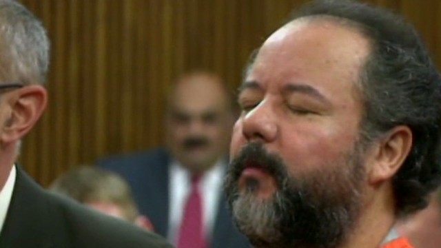 hln castro in court eyes closed_00001218.jpg