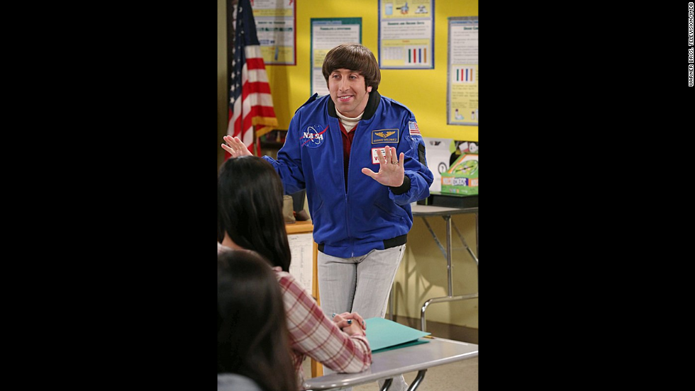 Simon Helberg interpreta a Howard Wolowitz, un ingeniero aeroespacial.