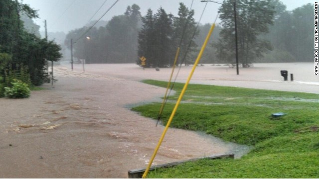 Heavy rain floods North Carolina counties