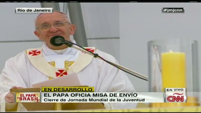 cnnee brk pope mass 09_00010601.jpg