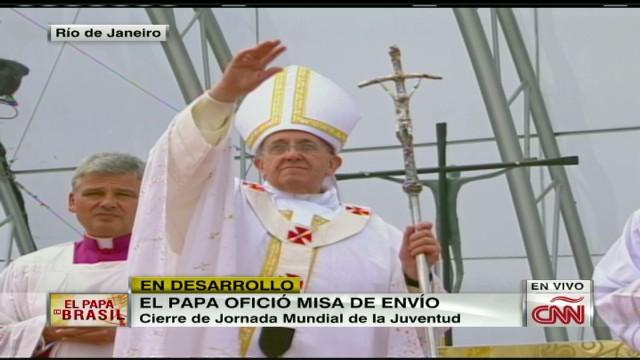 cnnee brk pope mass 11_00040007.jpg