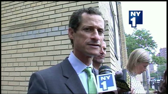 ny1 sot weiner campaign manager quits _00002723.jpg