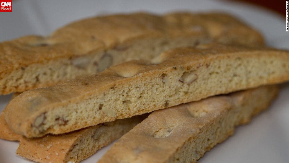 Vu tries both seasonal and traditional Italian flavors, such as almond-anise biscotti.