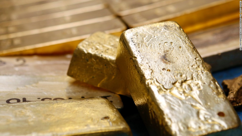 In 1983, six thieves broke into the Brink's-MAT warehouse at Heathrow Airport in London, thinking they would grab a few million in cash. However, they found gold ingots, diamonds and cash worth a total of 28 million pounds (about $50 million at the time). The thieves tied up three guards, doused them in gasoline and said they would light the guards on fire if they didn't give the pass codes to the vault. Just three of 15 men involved in planning and executing the robbery were ever convicted.