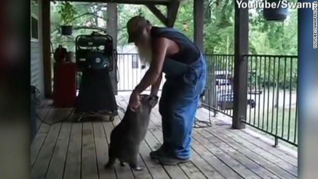 newday sot redneck raccoon dance_00012518.jpg