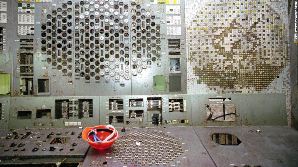 Control panels of the destroyed fourth power block on April 14, 1998.