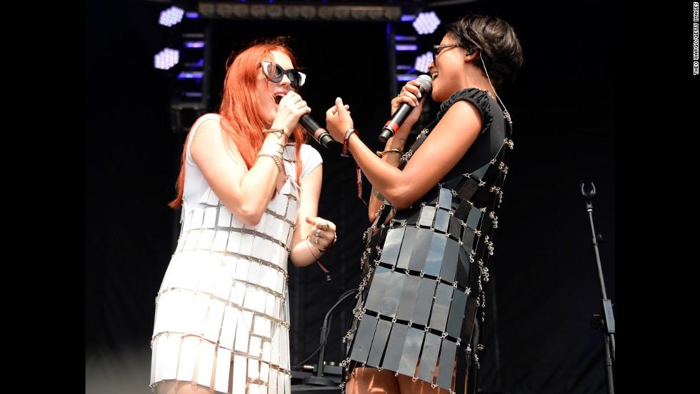 Caroline Hjelt and Aino Jawo of Icona Pop sing.