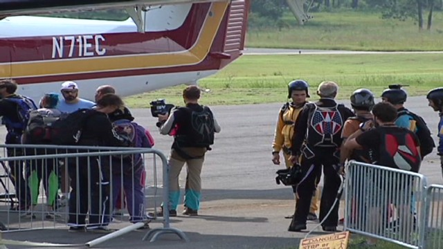 vosot skydiver death_00002008.jpg