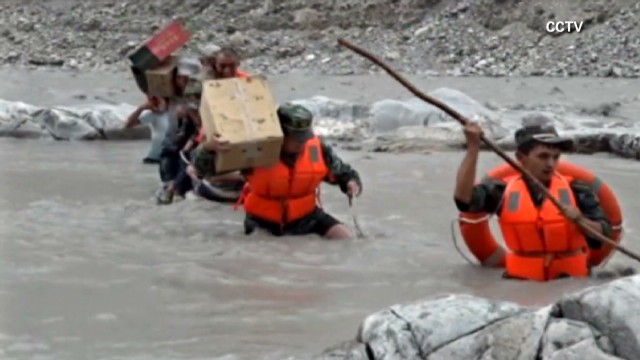 vo china flood evacuations_00004417.jpg