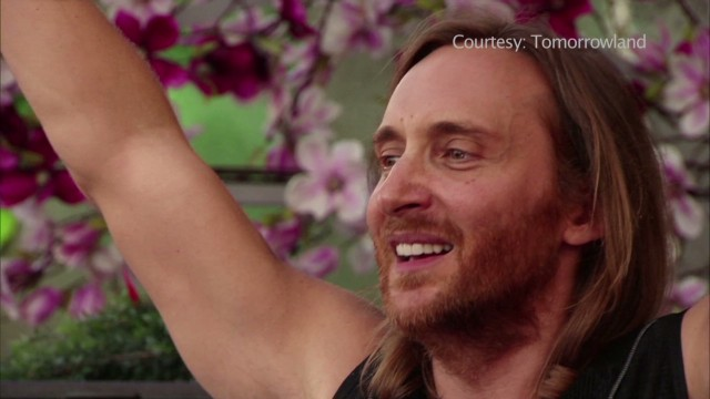 mortensen tomorrowland david guetta_00000208.jpg