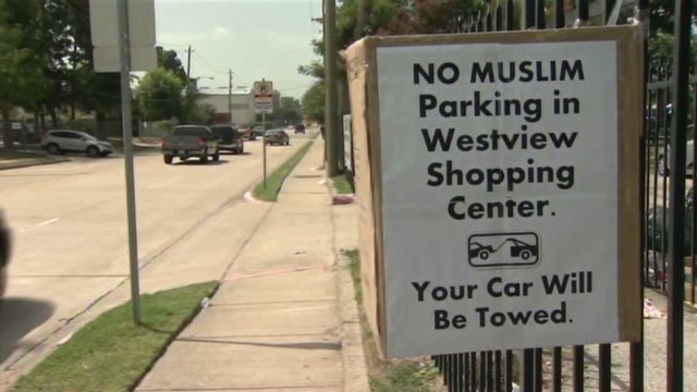 No Muslim parking signs _00000000.jpg