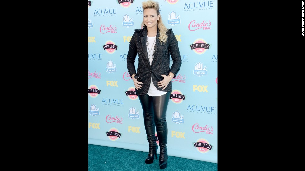 "Singer and ""X Factor"" judge Demi Lovato arrives for the Teen Choice awards."