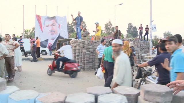 sayah lok egypt waiting crackdown_00002924.jpg