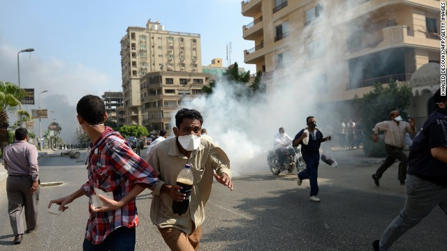 Egyptian forces move on Cairo protesters
