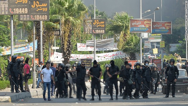 Police fire tear gas at pro-Morsy camp