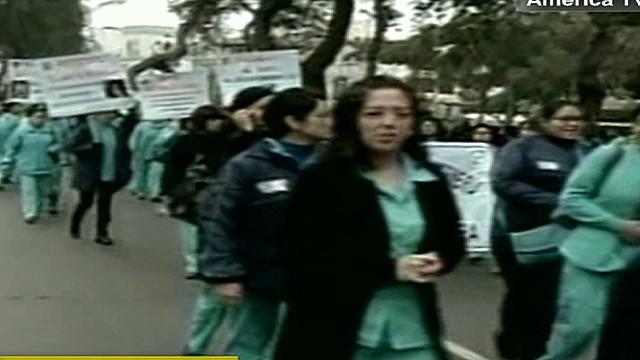 cnnee belaunde peru end of doctors strike_00021104.jpg