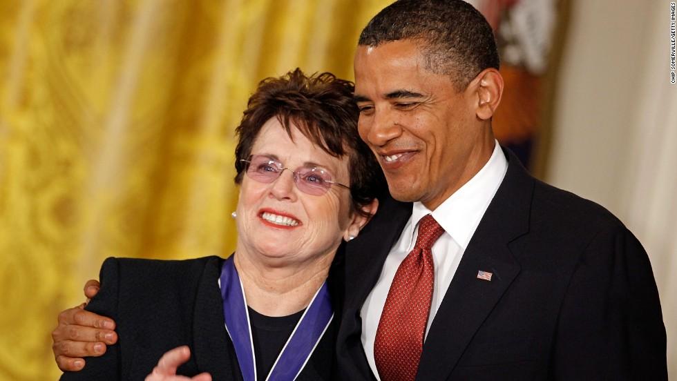 President Barack Obama awarded Bille Jean King the Presidential Medal of Freedom in the East Room of the White House in 2009.