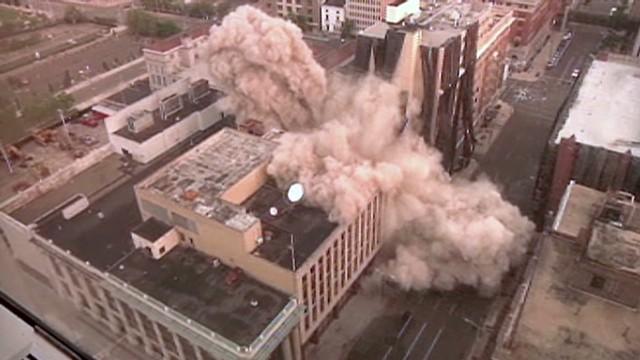 vo historic building implosion_00000910.jpg