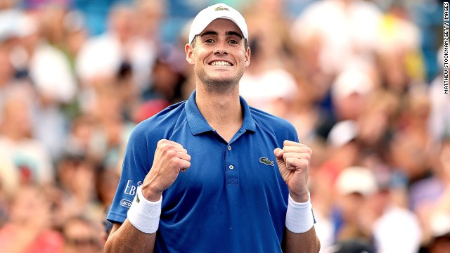 John Isner claimed another prize scalp in the Western and Southern Open semifinal beating Juan Martin del Potro in three sets.