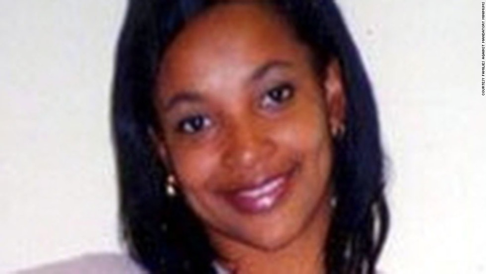 "In 1999, <a href=""http://www.famm.org/facesofFAMM/FederalProfiles/SharandaJones.aspx"" target=""_blank"">Sharanda Jones</a> was arrested and charged with conspiracy to distribute crack cocaine. She was found guilty and sentenced to life in prison without parole, her first and only conviction. Jones bought cocaine from a Houston supplier and brought it to Dallas to be turned into crack cocaine. She was considered the leader of the conspiracy and had her sentence enhanced because she possessed a legally purchased firearm."