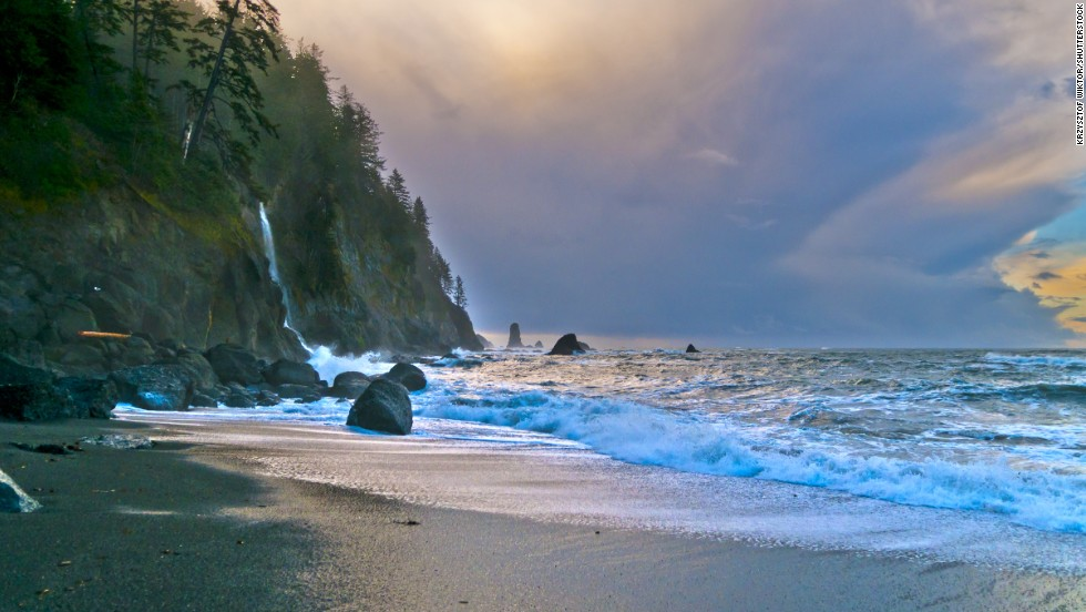 Located on the Olympic Peninsula, La Push is the northernmost of Washington's beaches.