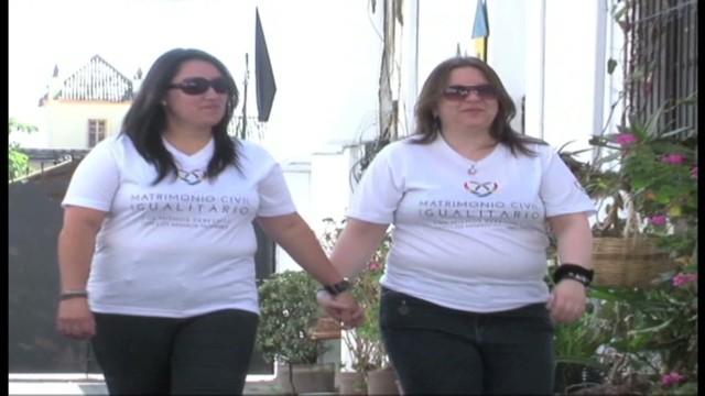 cnnee pkg lopez ecuador lesbian marriage _00000111.jpg