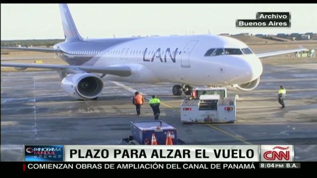 cnnee pkg sarmenti airplane chile_00020503.jpg