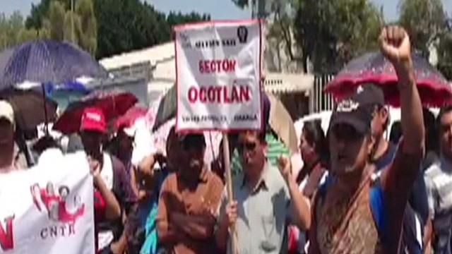 pkg romo mexico teacher strike_00015301.jpg