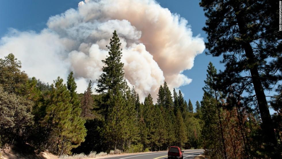 Smoke from the Rim Fire is seen near Hardin Flat outside Yosemite National Park on August 23.