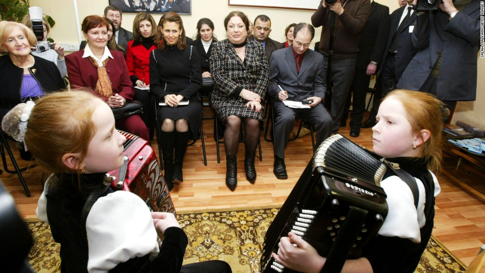 During a visit to Moscow's New Names Foundation, Asma al-Assad was awarded with an honorary doctorate on January 25, 2005.