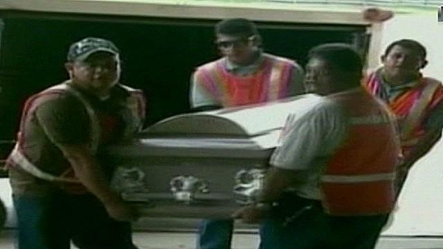 cnnee sandoval honduras la bestia funerals_00002121.jpg
