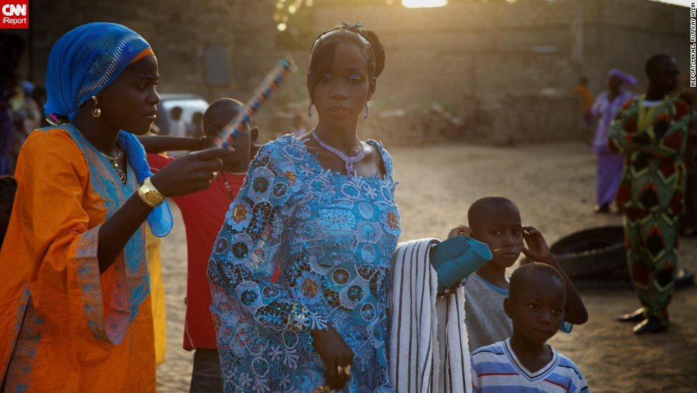 "iReporter <a href=""http://ireport.cnn.com/docs/DOC-724529"" target=""_blank"">Mikael Ruttkay Hylin</a> shared this striking photos from his trip to Mbour, Senegal, where he witnessed a traditional Muslim Senegalese wedding."
