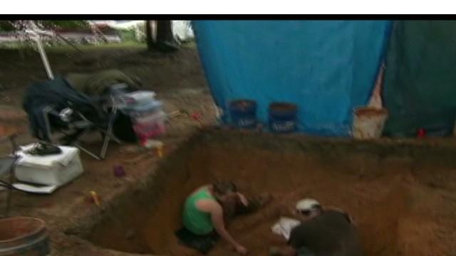 cnnee enc ed lavandera buried children_00001620.jpg