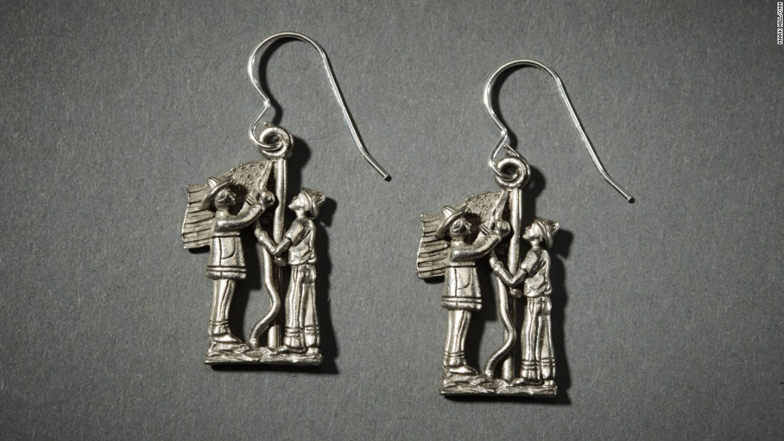 The iconic image has also been turned into a pair of earrings.