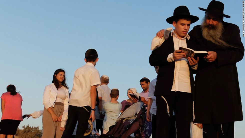 Jews read the Tashlich prayer on the beach in the southern Israeli city of Ashdod on September 5.