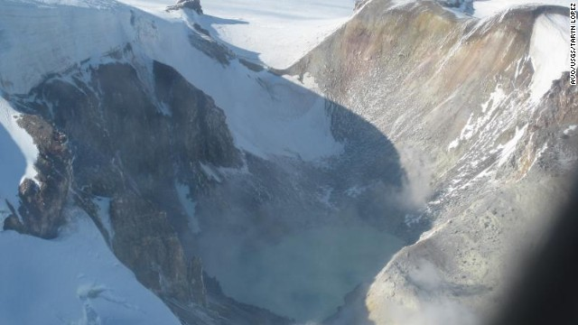 Researchers rescued from Alaskan volcano