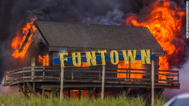 'Unthinkable' fire wrecks NJ boardwalk