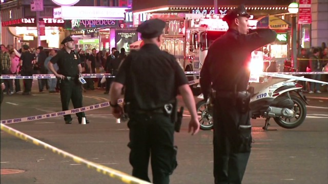 Cops wound bystanders near Times Square