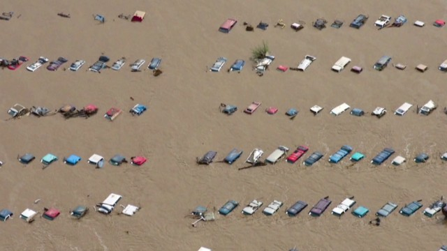 Massive flood rescue operation in Colorado