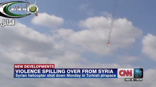 segment.turkey.syria.helicopter.watson_00014908.jpg